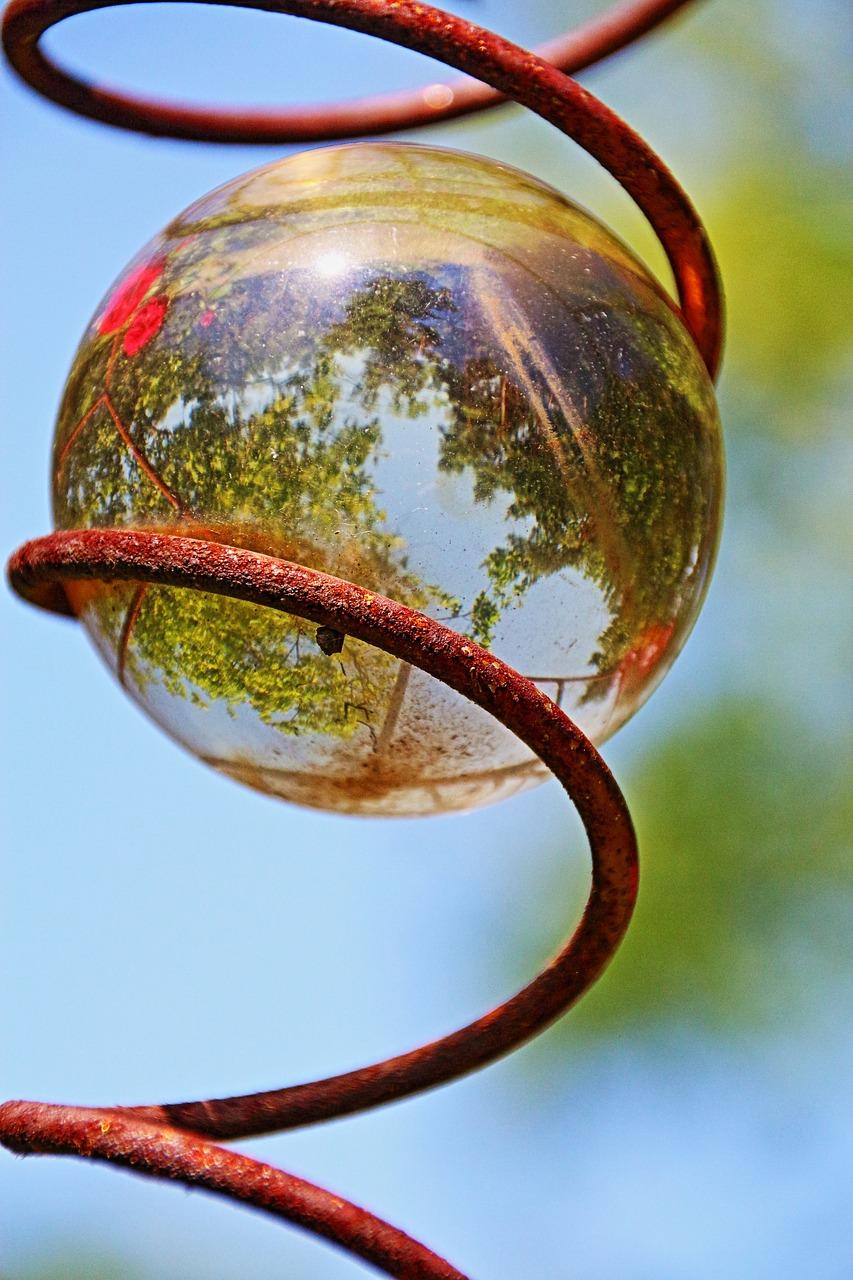 Topsy Turvy Glass Ball
